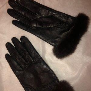 Black leather, mink trimmed gloves- small